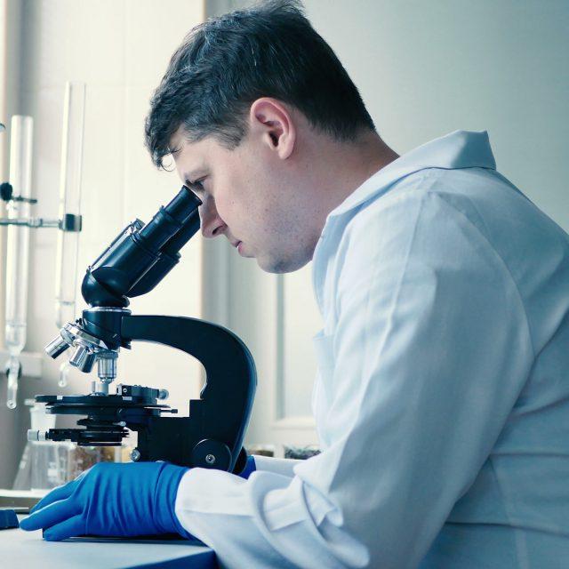 https://www.hospitex.com/wp-content/uploads/2019/10/scientific-laboratory-adjusts-microscope-footage-070989990_prevstill-640x640.jpeg